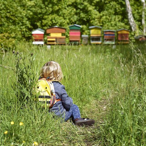 Charlize cherche sa ruche